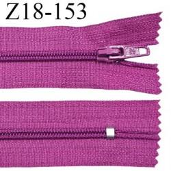 fermeture zip longueur 18 cm couleur violet pivoine non séparable largeur 2.4 cm glissière nylon largeur  4 mm
