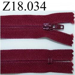 fermeture éclair longueur 18 cm couleur bordeau non séparable zip nylon largeur 2.5 cm