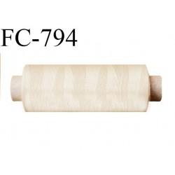 Bobine 500 m fil Polyester n° 120  écru 500 mètres fil européen bobiné en Europe ou France certifié oeko tex