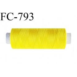Bobine 500 m fil Polyester n° 120 couleur jaune citron longueur 500 mètres fil européen bobiné en France