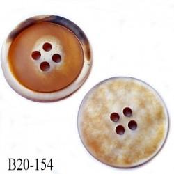 bouton 20 mm  pvc très haut de gamme couleur miel or avec reflet nacré 4 trous diamètre 20 millimètres très très beau
