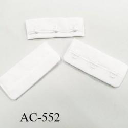 Agrafe attache 57 mm de sg 1 rangés 3 crochets largeur 57 mm hauteur 24 mm couleur blanc fabriqué en Europe