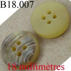 bouton 18 mm couleur marron et couleur corne avec des rainures 4 trous diamètre 18 mm