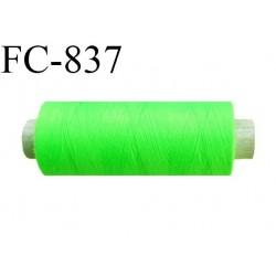 Bobine 500 m fil Polyester n° 120  vert fluo 500 mètres fil européen bobiné en Europe ou France certifié oeko tex