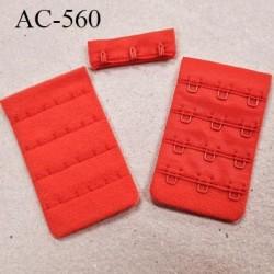 Agrafe attache 38 mm  de soutien gorge 4 rangées 3 crochets largeur 38 mm hauteur 70 mm couleur rouge corail fabriqué en France