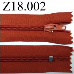 fermeture éclair longueur 18 cm couleur rouille non séparable zip nylon largeur 2.5 cm