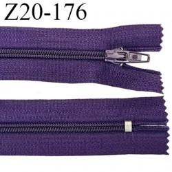 Fermeture zip longueur 20 cm couleur anthracite presque violet non séparable largeur 2.4 cm glissière nylon largeur  4 mm