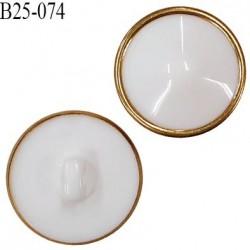 Bouton 25 mm dôme en pvc couleur blanc et doré accroche avec un anneau un diamètre 25 mm épaisseur 12 mm prix à l'unité