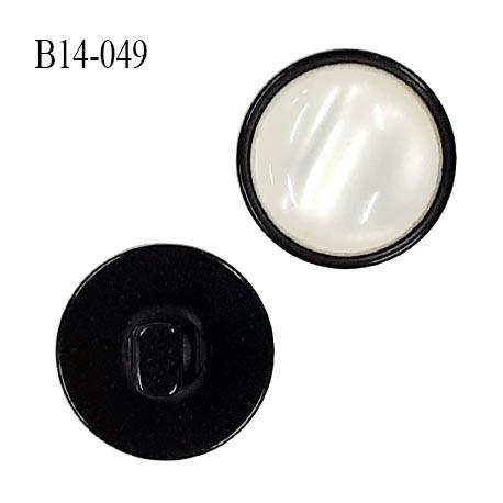 Bouton 14 mm couleur ivoire nacré et noir diamètre 14 mm épaisseur 8 mm accroche avec un anneau prix à l'unité