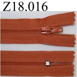 fermeture éclair longueur 18 cm couleur orange non séparable zip nylon largeur 2.5 cm