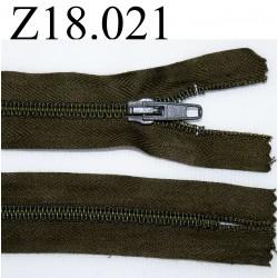 fermeture éclair longueur 18 cm couleur vert kaki non séparable zip nylon largeur 2.5 cm