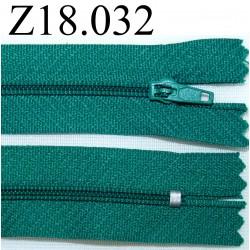 fermeture éclair longueur 18 cm couleur verte non séparable zip nylon largeur 2.5 cm