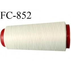Cone 1000 m de fil mousse polyester  fil n° 110 couleur crème sable des iles  cone de 1000 mètres bobiné en France