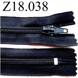fermeture éclair  longueur 18 cm couleur noir non séparable zip nylon largeur 2.5 cm