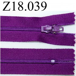 fermeture éclair  longueur 18 cm couleur violet non séparable zip nylon largeur 2.5 cm