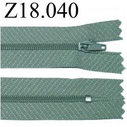 fermeture éclair  longueur 18 cm couleur gris vert non séparable zip nylon largeur 2.5 cm