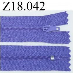 fermeture éclair  longueur 18 cm couleur violet non séparable zip nylon largeur 2.3 cm