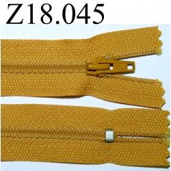 fermeture éclair  longueur 18 cm couleur jaune non séparable zip nylon largeur 2.5 cm