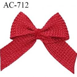 Noeud 18 mm lingerie couleur rouge bordeaux satiné haut de gamme largeur 18 mm hauteur 20 mm haut de gamme