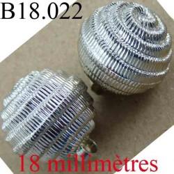 bouton 18 mm couleur chromé brillant accroche avec un anneau diamètre 18 mm