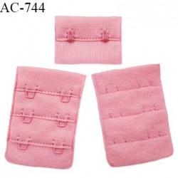 Agrafe 38 mm attache SG haut de gamme couleur fraise 3 rangées 2 crochets fabriqué en France prix à l'unité