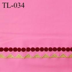 Tissu lycra 33 cm élasthanne couleur rose avec bande brodée prix pour 10 cm