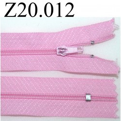 fermeture éclair  longueur 20 cm couleur rose non séparable zip nylon largeur 2.5 cm