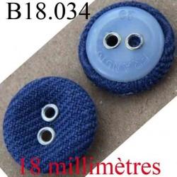 bouton  18 mm couleur bleu en tissu et blanc transparent au dos 2 trous diamètre 18 mm