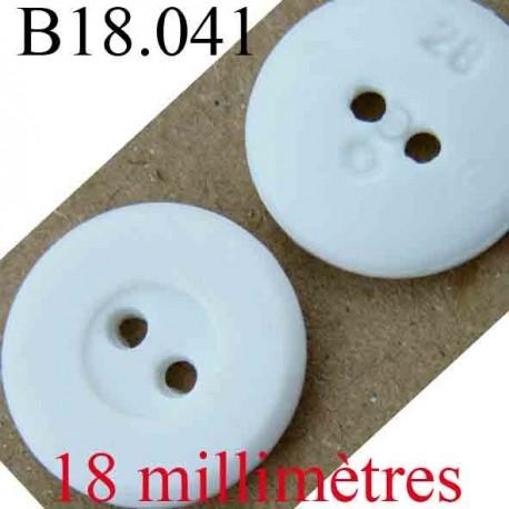 bouton  18 mm couleur blanc 2 trous diamètre 18 mm
