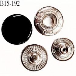 Bouton 15 mm pression composé de 4 éléments diamètre 15 mm en métal couleur noir laqué