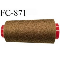 Cone de 2000 m  fil Polyester Coats épic fil n° 30 couleur marron caramel longueur de 2000 mètres bobiné en France