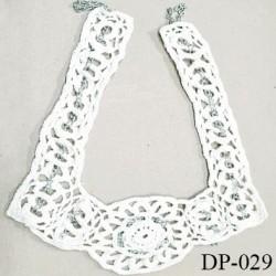Devant plastron hauteur 26 cm couleur blanc crochet en coton avec chaine en alu hauteur 26 cm et largeur 19 cm