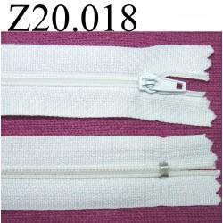 fermeture éclair blanche longueur 20 cm couleur blanc non séparable zip nylon largeur 2.5 cm