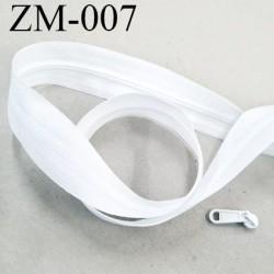Fermeture zip à glissière  au mètre couleur blanc 1 curseur pour 1 mètre largeur 25 mm largeur de glissière 4 mm curseur métal