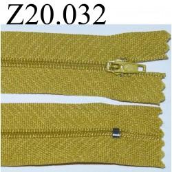 fermeture éclair  longueur 20 cm couleur jaune moutarde non séparable zip nylon largeur 2.5 cm