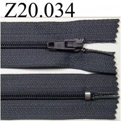 fermeture éclair  longueur 20 cm couleur gris foncé  non séparable zip nylon largeur 2.5 cm