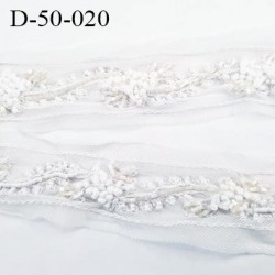 Dentelle  50 mm synthétique  perles et sequins sur tulle couleur naturel et écru largeur 50 mm très belle