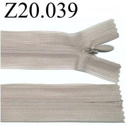 fermeture éclair invisible longueur 20 cm couleur beige non séparable zip nylon largeur 2.3 cm