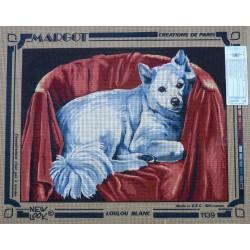 canevas 40x50 marque MARGOT DE PARIS le chien loulou blanc dimension 40 centimètres par 50 centimètres 100 % coton