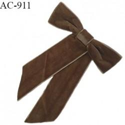 Broche en tissu noeud sur épingle couleur taupe hauteur 16.5 cm largeur 12 cm prix à l'unité