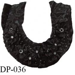 Devant plastron 35 cm tissu synthétique effet satin couleur noir avec motifs fleurs et sequins brodés prix à l'unité