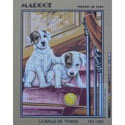 canevas 40x50 marque MARGOT DE PARIS chien chiots la balle de tennis dimension 40 centimètres par 50 centimètres 100 % coton