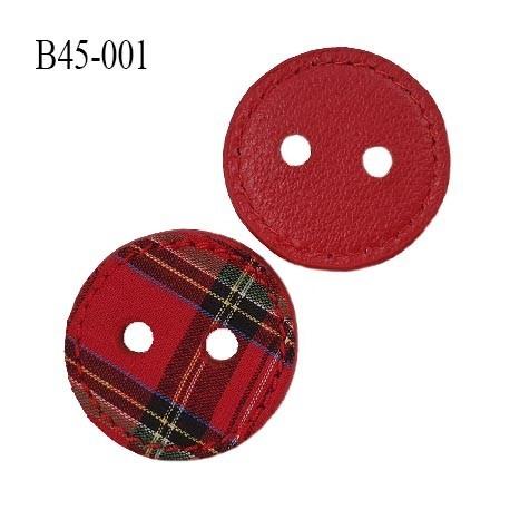 Bouton 45 mm couleur rouge avec tissus cousu motif écossais sur une face et effet cuir sur l'autre face 2 trous prix à l'unité