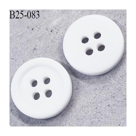 Bouton 25 mm  pvc 4 trous couleur naturel  épaisseur 4 mm  diamètre 25 mm prix à l'unité