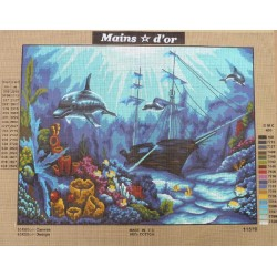 """Canevas à broder 50 x 60 cm marque MAINS D'OR thème """"dauphins à l'épave"""""""