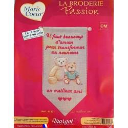 kit broderie LE MEILLEUR AMI Margot création de Paris MARIE COEUR tableau point de croix  fabrication française