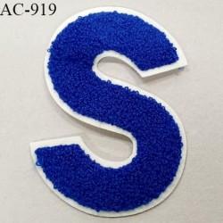 Ornement applique écusson sur support style feutrine à coudre couleur bleu hauteur 14 cm largeur 10 cm prix à l'unité