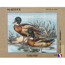 Canevas à broder 50 x 65 cm marque MARGOT création de Paris thème les deux canards fabrication française