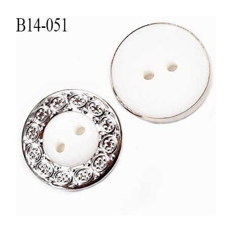 Bouton 14 mm en pvc couleur blanc et chromé très beau 2 trous diamètre 14 millimètres épaisseur 3 mm prix à l'unité