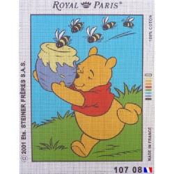 Canevas à broder 22 x 30 cm marque ROYAL PARIS thème DISNEY Winnie l'ourson et le pot de miel fabrication française